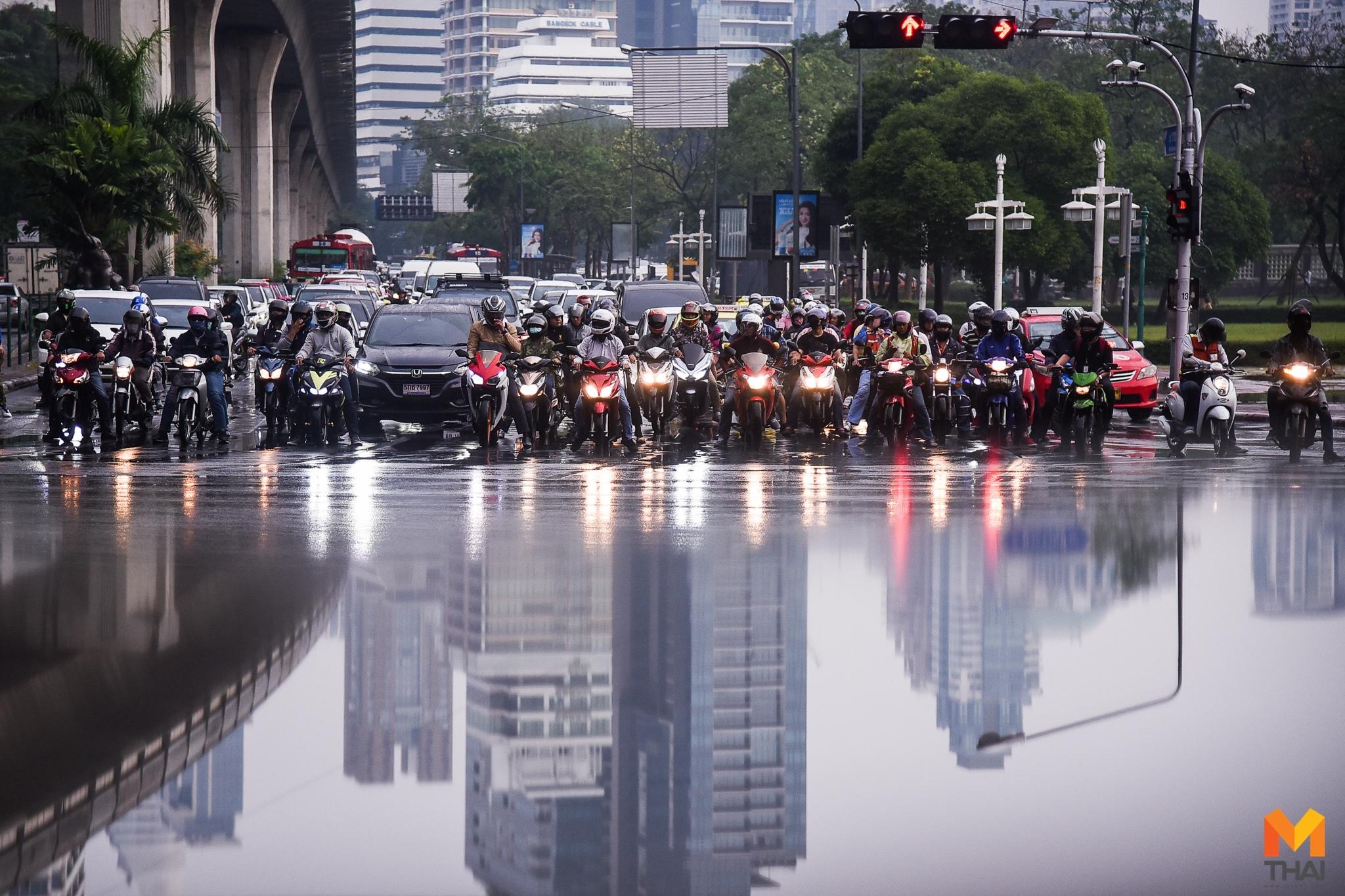 กรุงเทพมหานคร ฝนตก ฝุ่นละออง