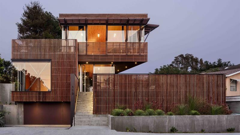 คอนกรีต บ้านแนวโมเดิร์น ระแนงไม้ แบบบ้าน แบบบ้านสามชั้น แบบบ้านเดี่ยว แปลนบ้าน