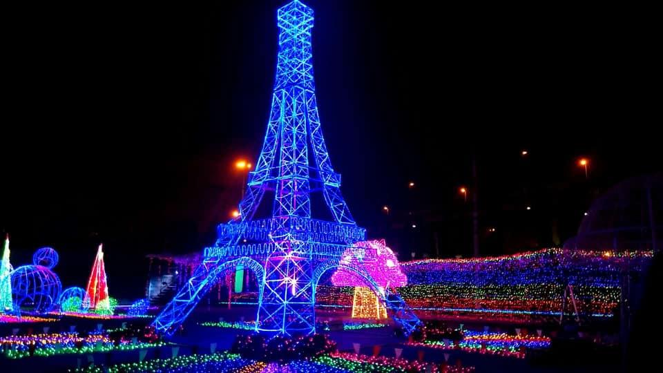 ดูไฟ ตลาดกลางคืน ตลาดนัดเลียบด่วน ตลาดนัดเลียบด่วนรามอินทรา ที่เที่ยวกรุงเทพ ที่เที่ยวถ่ายรูป เทศกาลประดับไฟ เที่ยว ดูไฟ เที่ยวกรุงเทพ