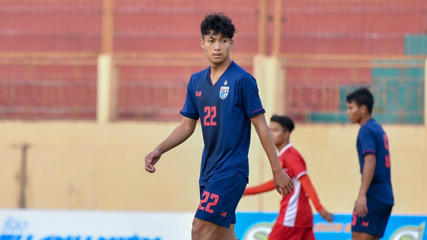 ทีมชาติไทย U19 ลีออน เจมส์ เลสเตอร์ ซิตี้