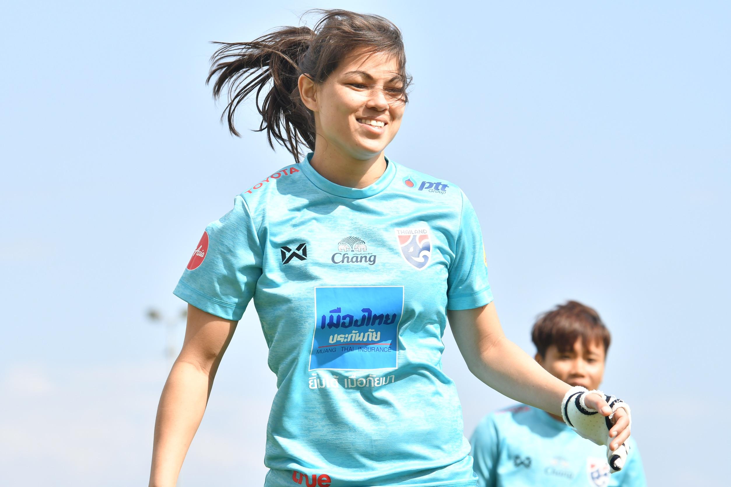 ฟุตบอลหญิงทีมชาติไทย อัญชลี ฮอลล์ แอชลีย์