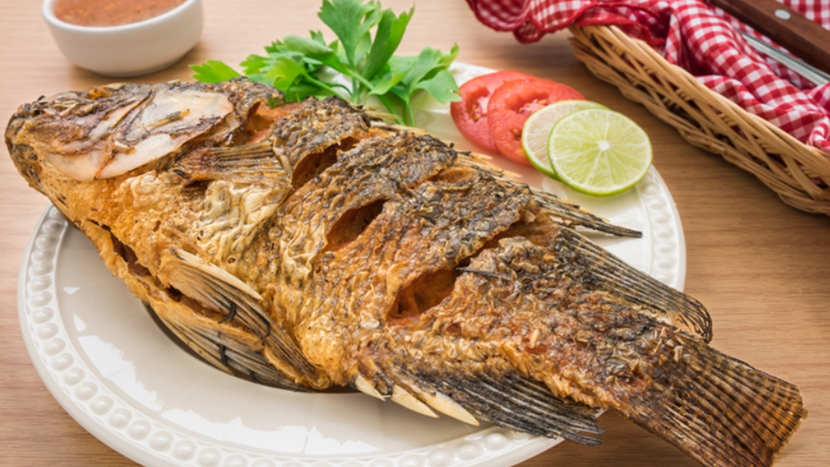 การทอดปลา ขอดเกล็ดปลา ทอดปลาไม่ให้ติดกระทะ ทอดปลาไม่ให้เหม็นคาว ทำอาหาร ปลา วิธีการทำปลา เคล็ดลับ เคล็ดลับการทำอาหาร เคล็ดลับทำเมนูปลา