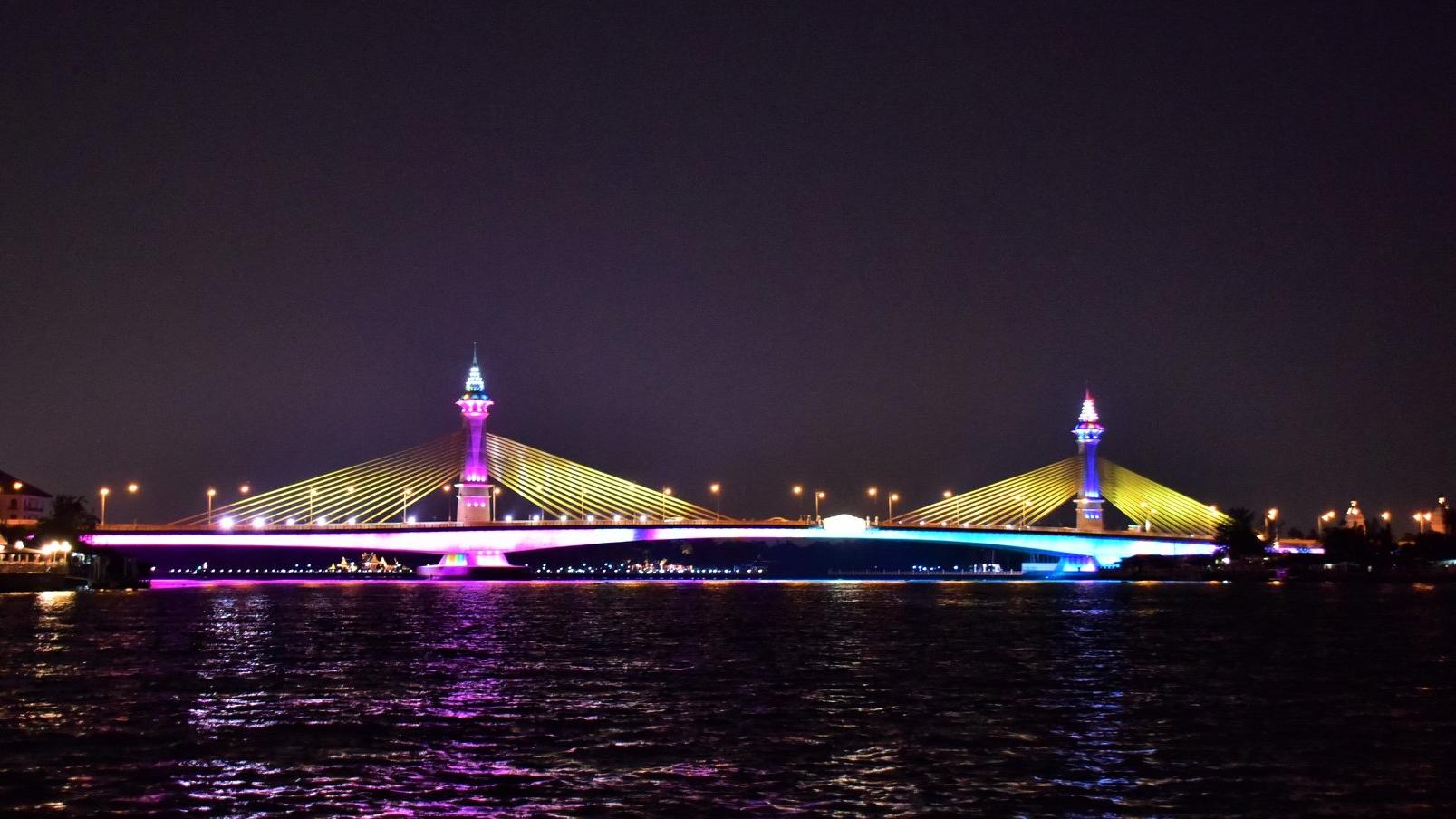 ประดับไฟสะพาน พระราชพิธีบรมราชาภิเษก สะพานข้ามแม่น้ำเจ้าพระยา