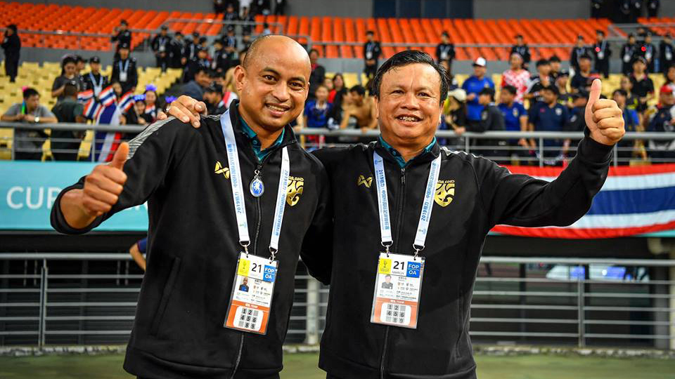 คิงส์คัพ ทีมชาติไทย ศิริศักดิ์ ยอดญาติไทย สมยศ พุ่มพันธุ์ม่วง