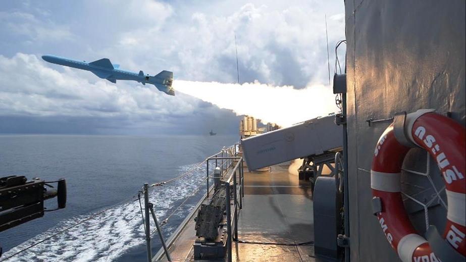กองทัพเรือ ฝึกยิงอาวุธ