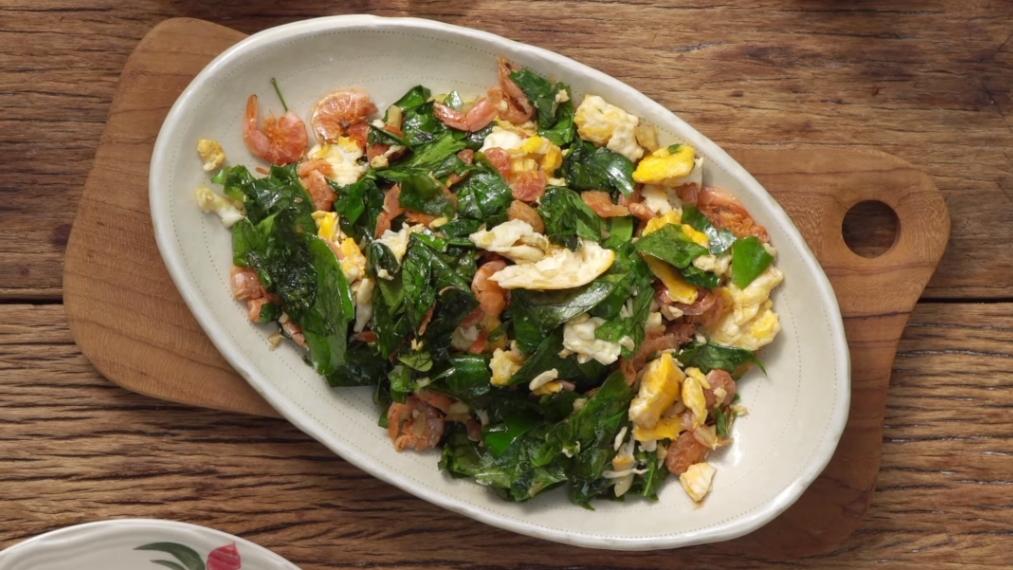 กินข้าวกัน สูตรอาหาร ใบเหลียง ใบเหลียงผัดไข่