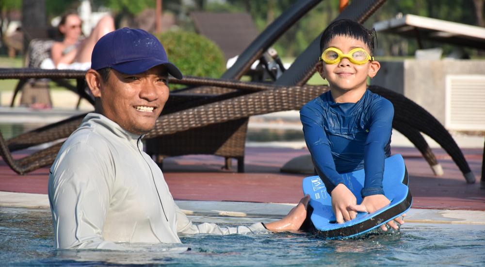 ธนาซิตี้ คันทรี คลับ ว่ายน้ำ เทนนิส แบดมินตัน