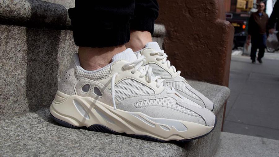 adidas adidas Originals Boost Kanye West Sneaker Yeezy YEEZY BOOST 700 รองเท้า สนีกเกอร์ อาดิดาส