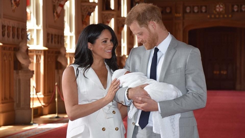 สมเด็จพระราชินีนาถเอลิซาเบธที่2 เจ้าชายแฮร์รี่