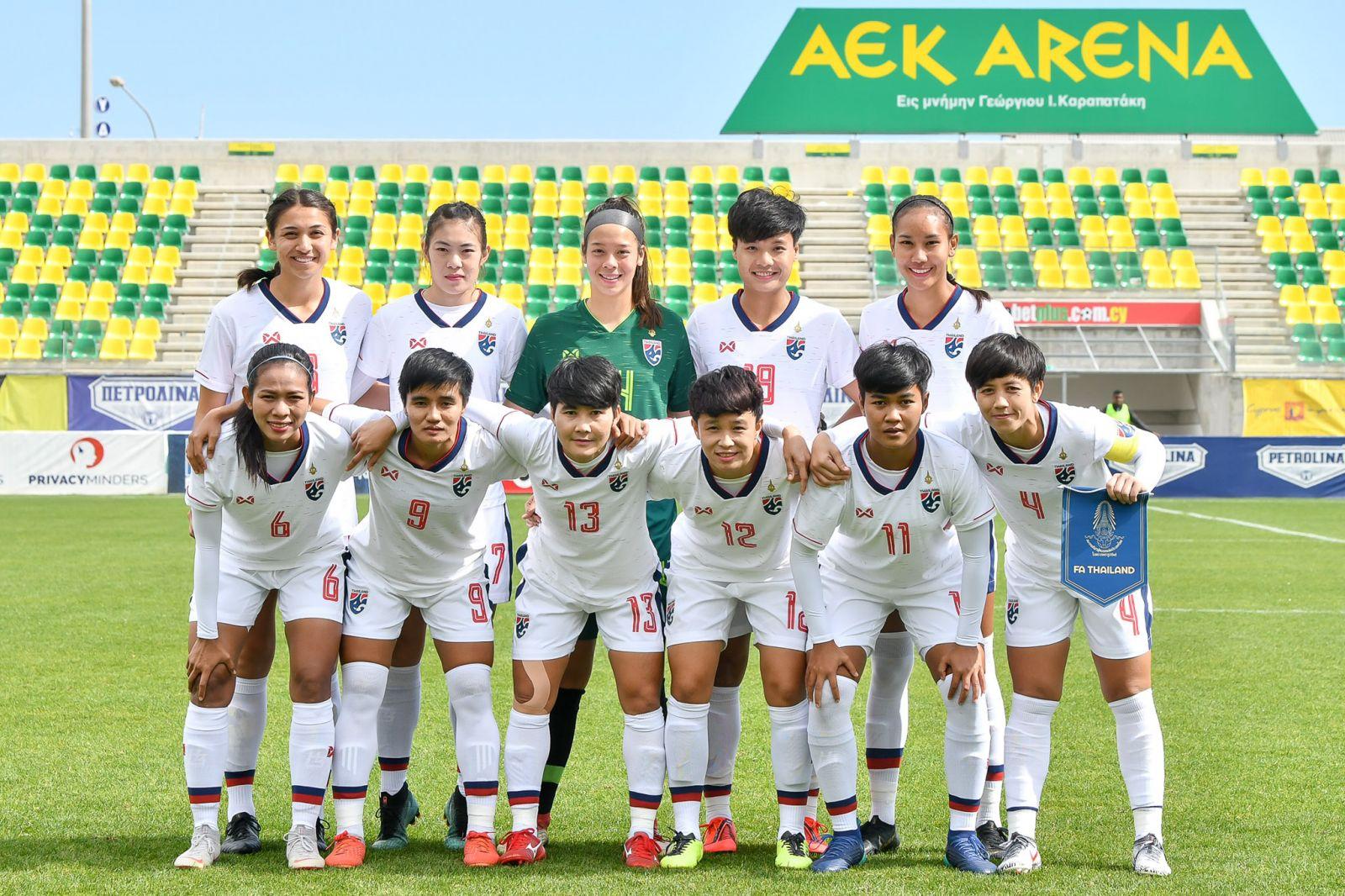 ชบาแก้ว นวลพรรณ ล่ำซำ ฟุตบอลหญิงชิงแชมป์โลก 2019 ฟุตบอลหญิงทีมชาติไทย มาดามแป้ง