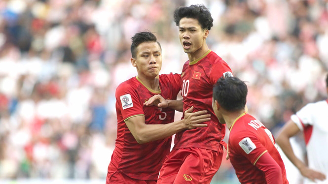 ควง น็อกไฮ่ คิงส์คัพ 2019 ทีมชาติเวียดนาม ทีมชาติไทย เหงียน คอง เฟือง