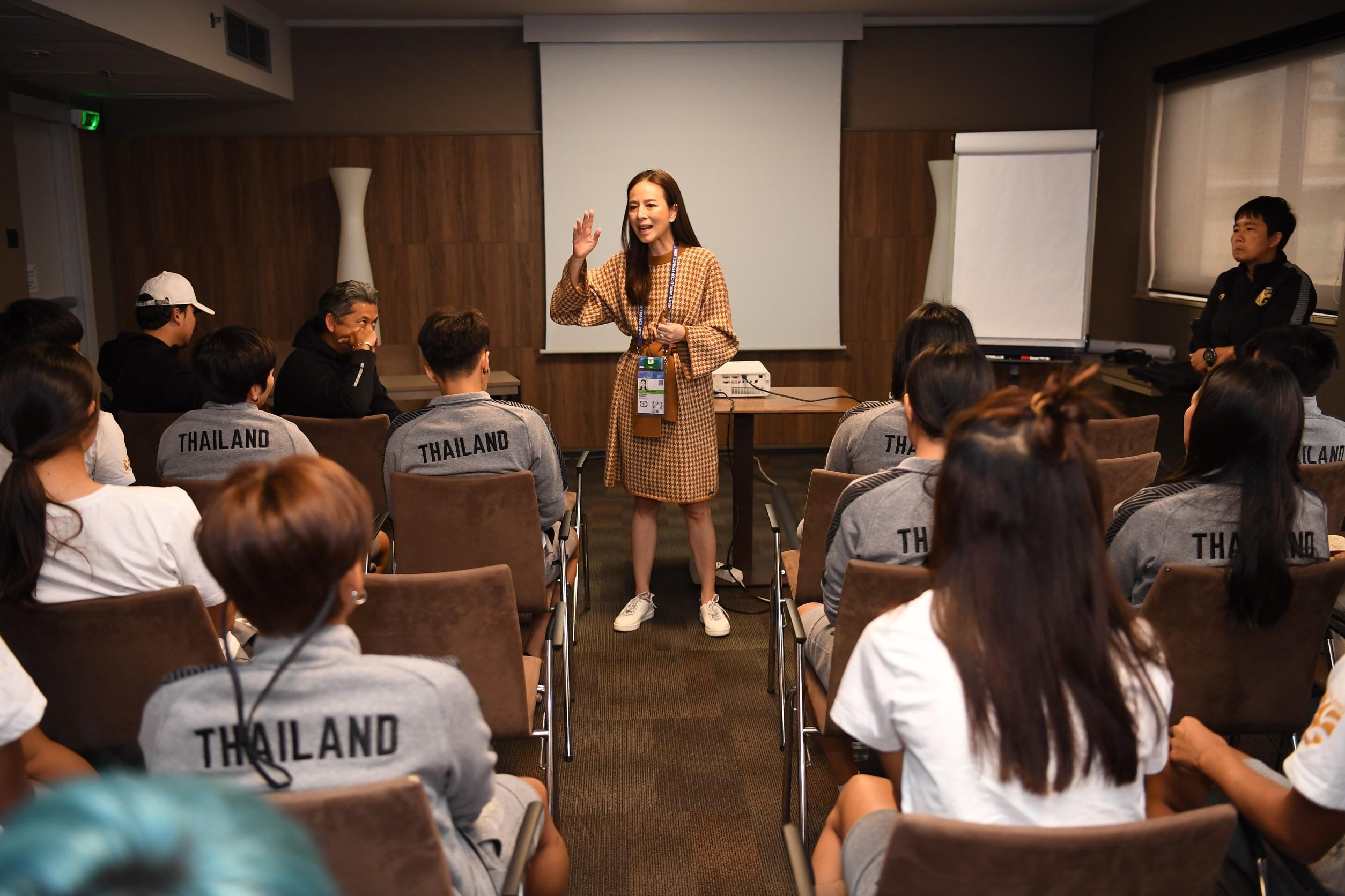 นวลพรรณ ล่ำซำ ฟุตบอลหญิงชิงแชมป์โลก 2019 ฟุตบอลหญิงทีมชาติไทย ฟุตบอลโลกหญิง 2019