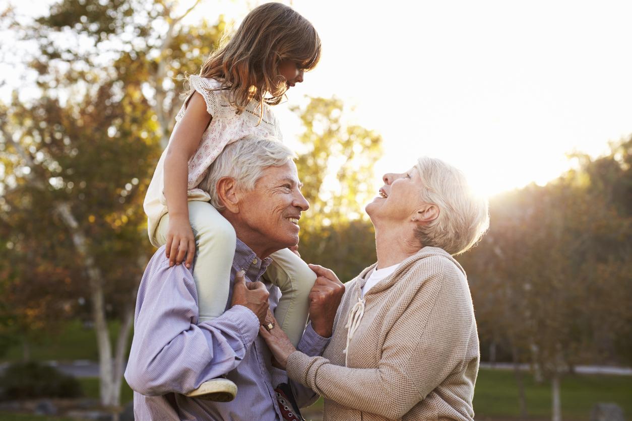 ดูแลผู้สูงอายุ ผู้สูงอายุ พ่อแม่ พ่อแม่สูงอายุ พ่อแม่แก่