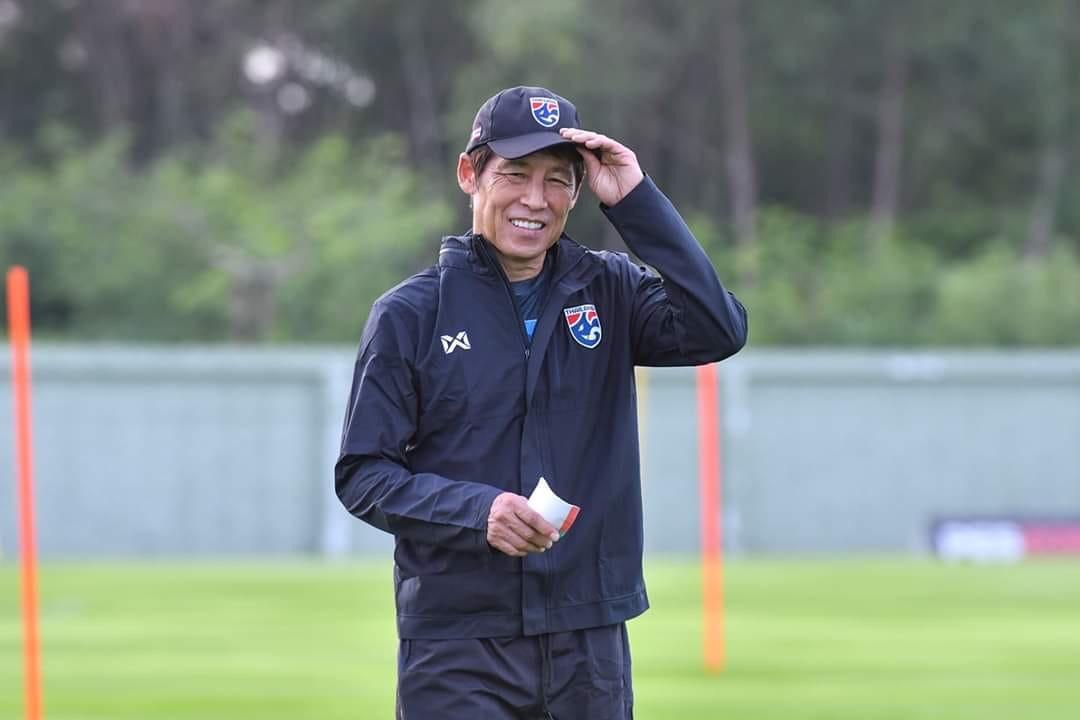 ทีมชาติเวียดนาม ทีมชาติไทย ปาร์ค ฮัง ซอ อากิระ นิชิโนะ