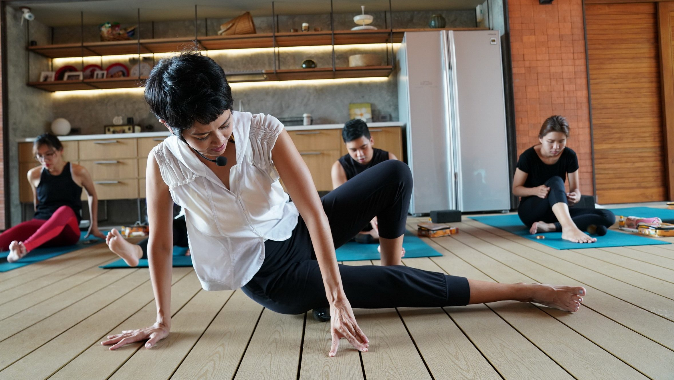 ต่อสู้กับโรค ป๊อบ อารียา ผู้หญิงเก่ง ออกกำลังกาย เทรนด์ออกกำลังกาย เล่นโยคะ โยคะ