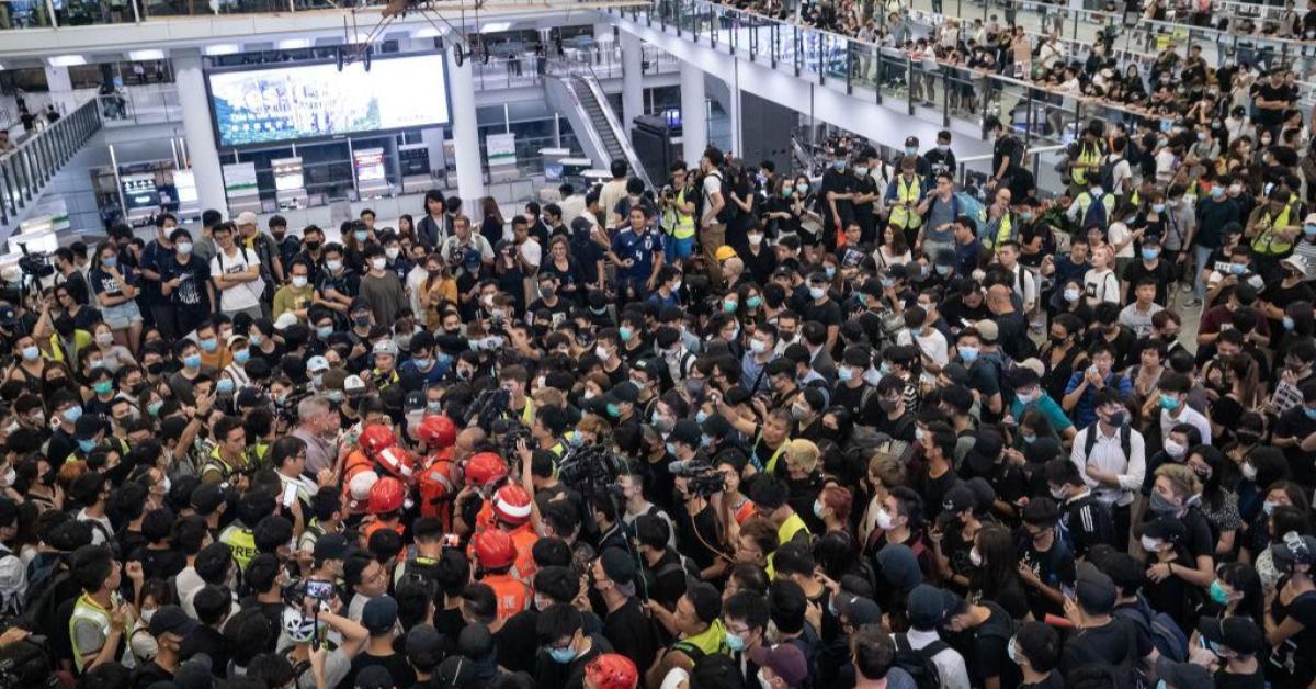 ข่าวสดวันนี้ ประท้วงฮ่องกง สนามบินฮ่องกง