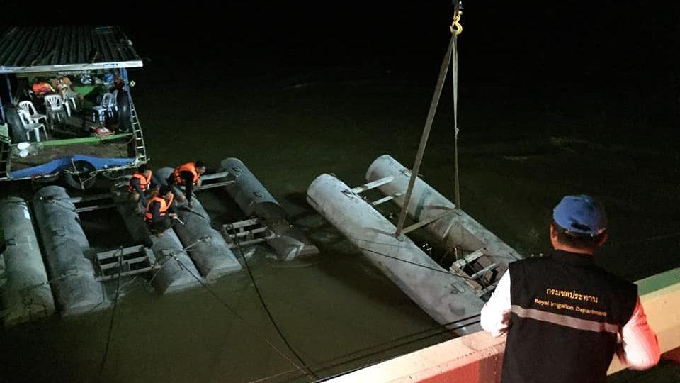 น้ำท่วม น้ำท่วมอุบล สะพานข้ามแม่น้ำมูล เครื่องผลักดันน้ำ