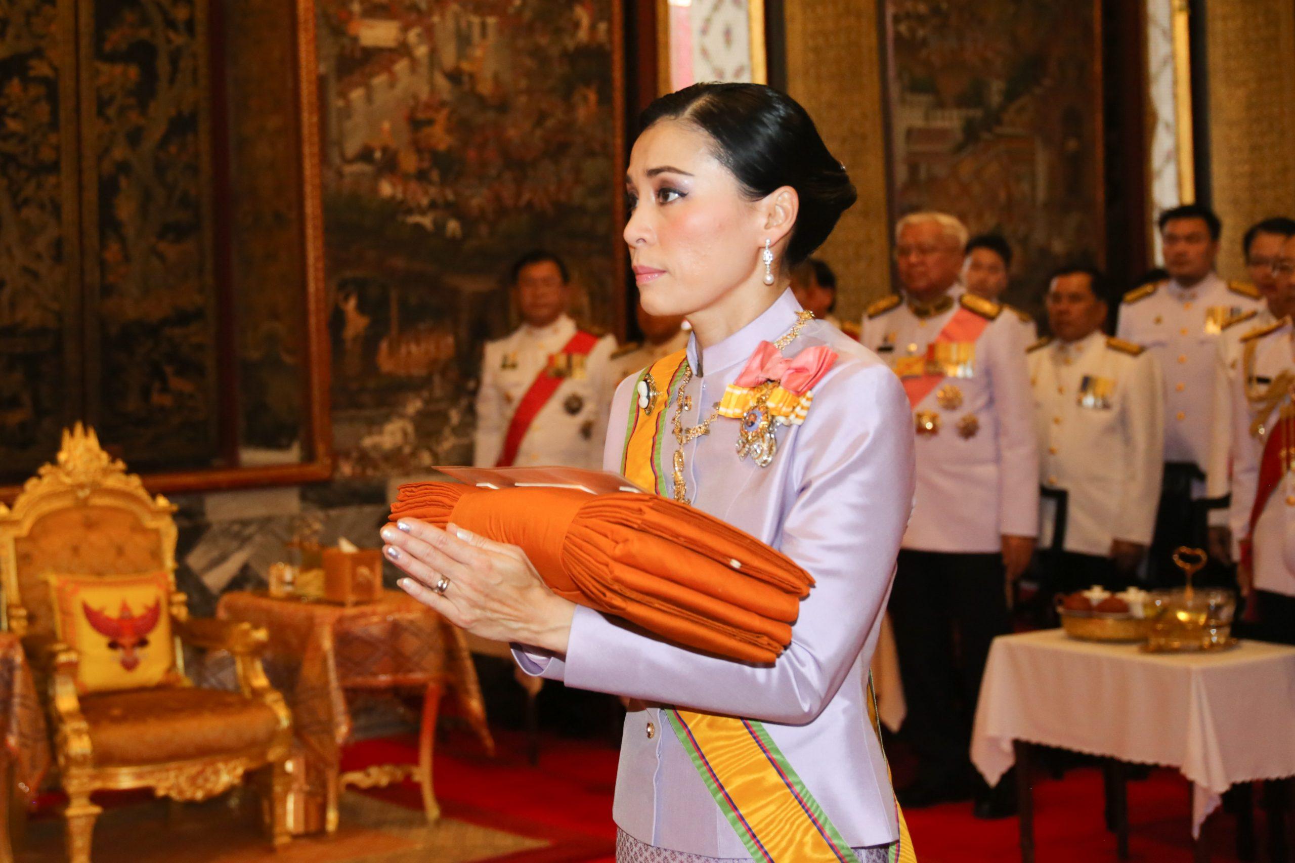 ข่าวสดวันนี้ ข่าวสมเด็จพระราชินี ถวายผ้ากฐิน
