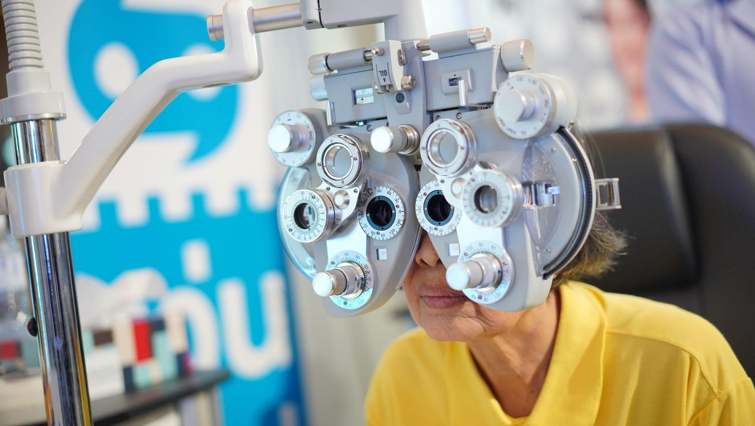ตรวจสุขภาพ สุขภาพดวงตา เช็คดวงตา เช็คสายตา แว่นท็อปเจริญ