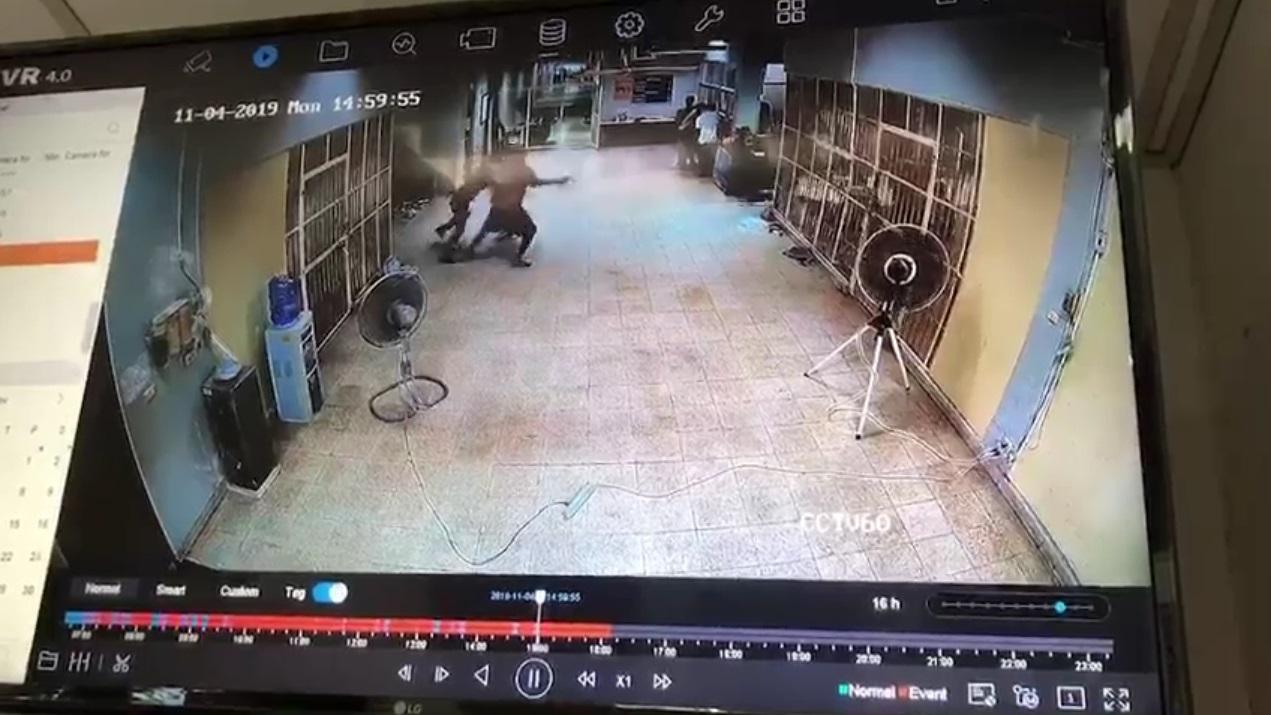 นักโทษหลบหนี นักโทษแทงตำรวจ ศาลพัทยา