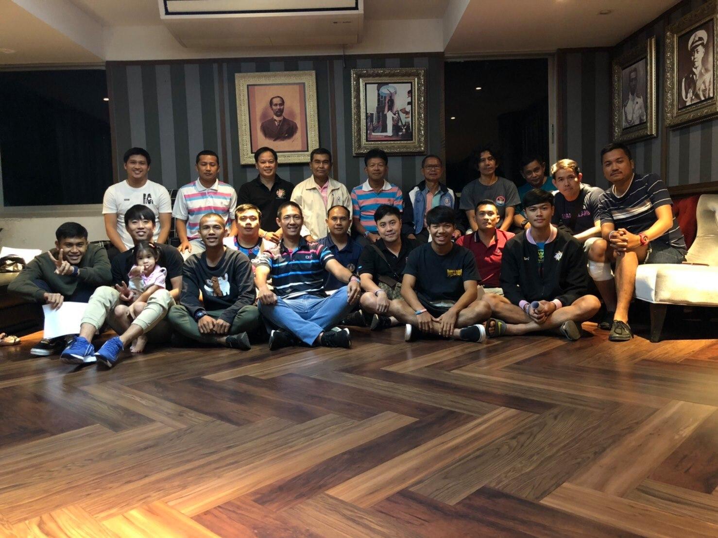 ทีมชาติไทย ปกเกล้า อนันต์ วิรัช ชาญพานิชย์ สวนกุหลาบ อดิศร พรหมรักษ์