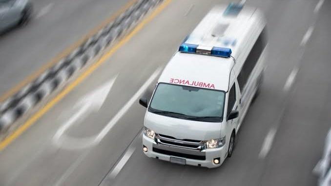 ขวางรถฉุกเฉิน รถฉุกเฉิน รถพยาบาล