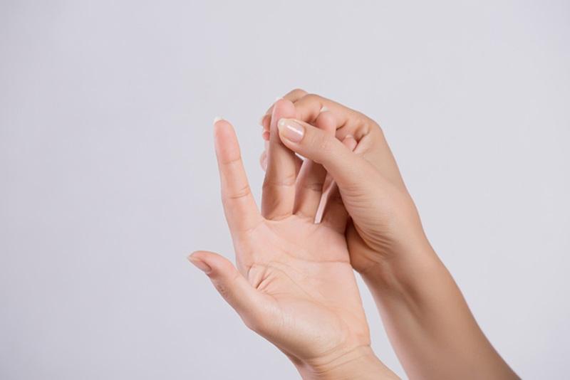 กายภาพบำบัด นิ้วล็อค รักษานิ้วล็อค สเตียรอยด์ อาการนิ้วล็อค เส้นเอ็นอักเสบ