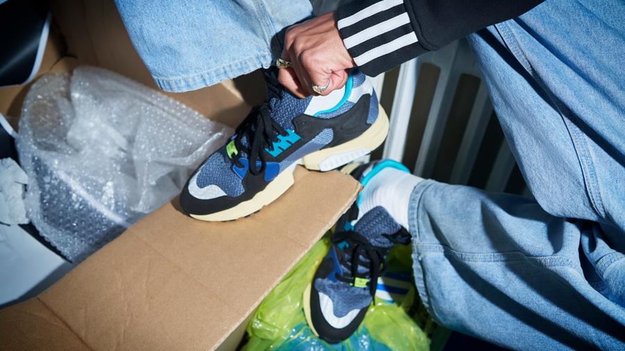 adidas adidas Originals Boost Sneaker Torsion X ZX Torsion รองเท้า สนีกเกอร์ อาดิดาส แฟชั่น