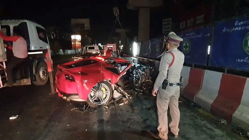 ข่าวรถชน ข่าวอุบัติเหตุ ฝน ศนันธฉัตร ธนพัฒน์พิศาล ฝน ฮอร์โมน