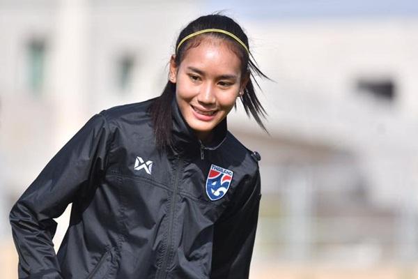 ทีมฟุตบอลหญิงทีมชาติไทย ธนีกานต์ แดงดา