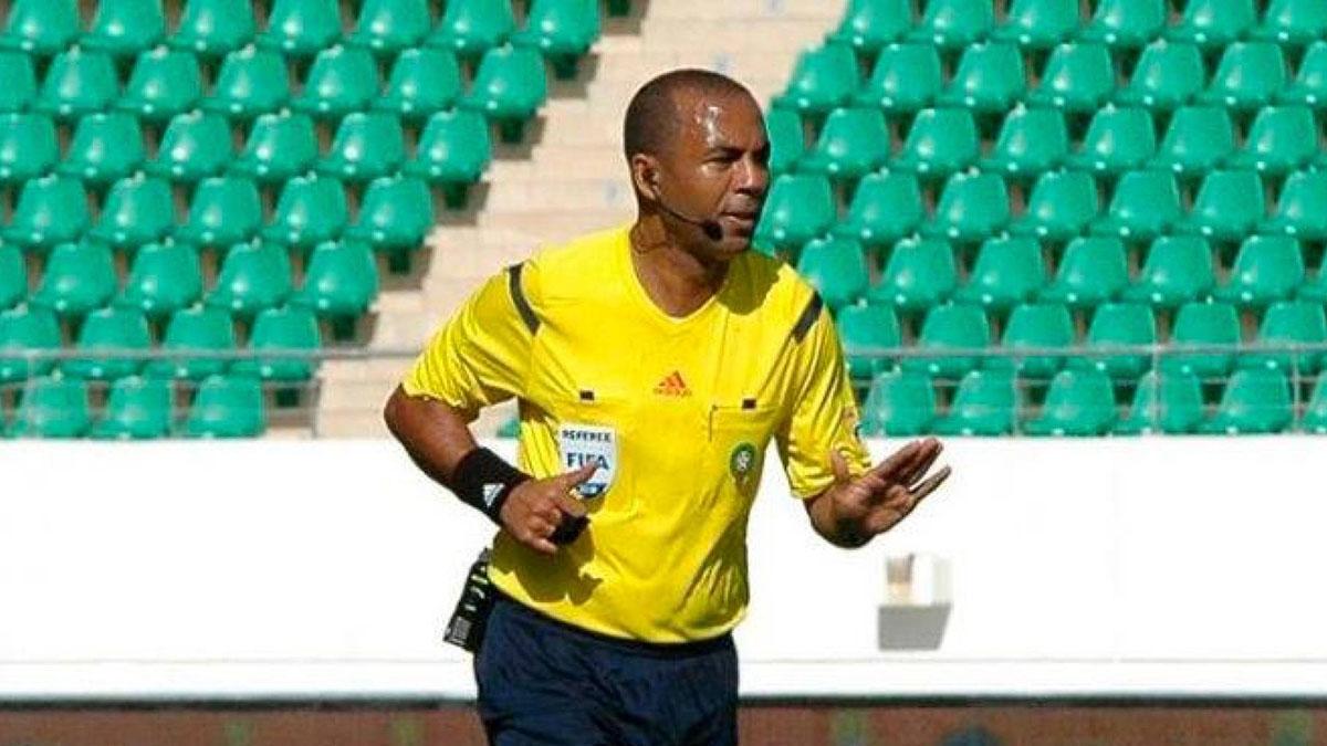 ยุสโซเฟีย เดอ เบร์ราคิด สมาคมฟุตบอลประเทศโมร็อกโก ฮิชัม เตียซี โอลิมปิก คูริบกา