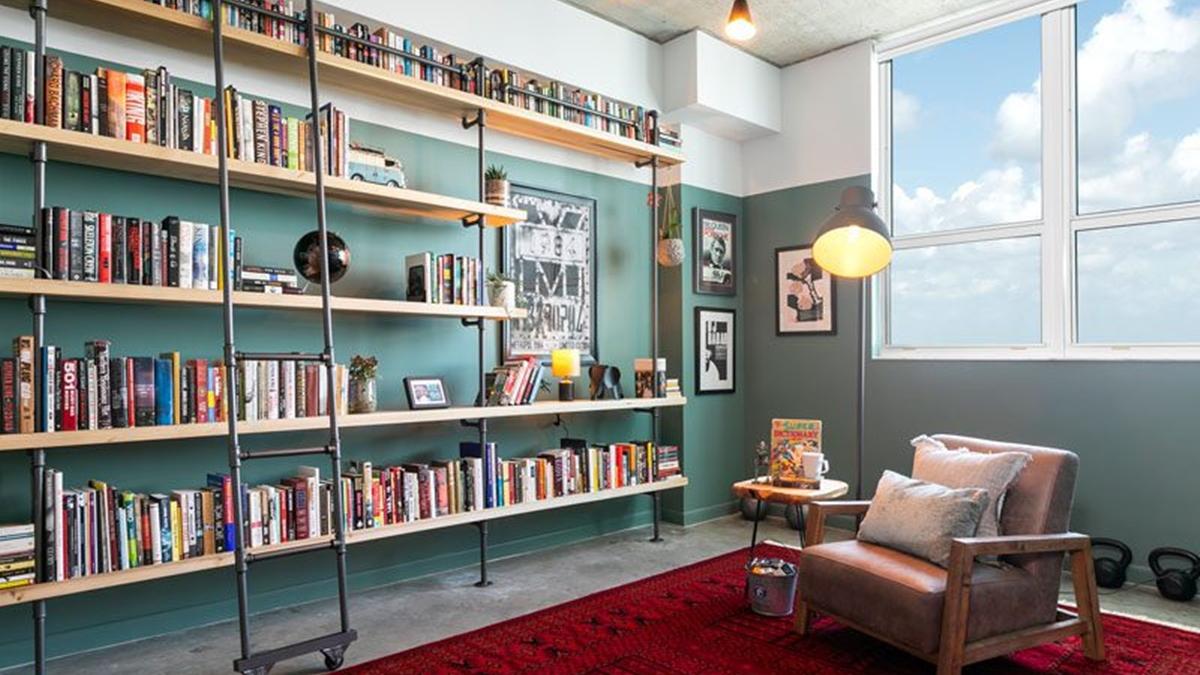 ชั้นวางหนังสือ มุมอ่านหนังสือ สไตล์อินดัสเตรียล ห้องสมุด แต่งห้อง แต่งห้องเปล่า โมเดิร์น