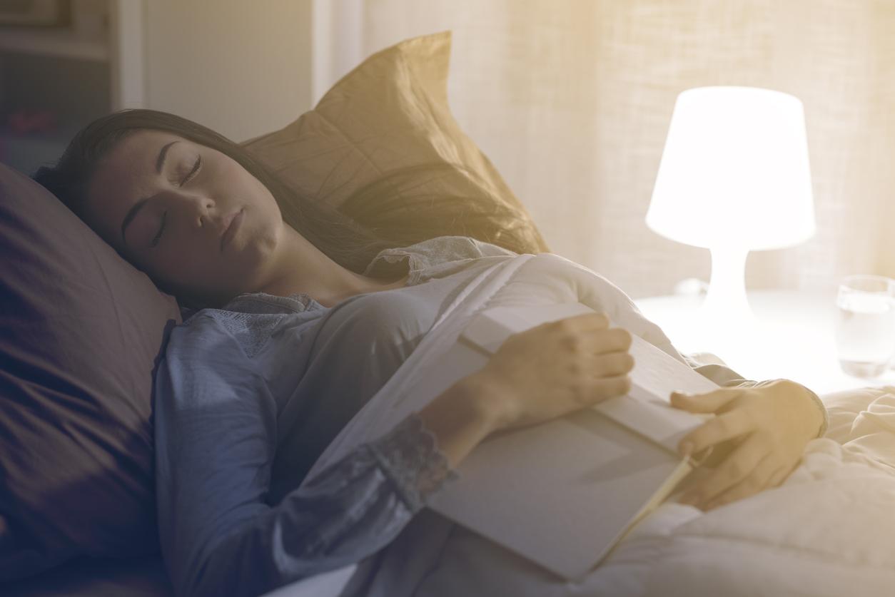 นอนหลับยาก นอนไม่หลับ วิธีแก้อาการนอนไม่หลับ แก้อาการนอนไม่หลับ
