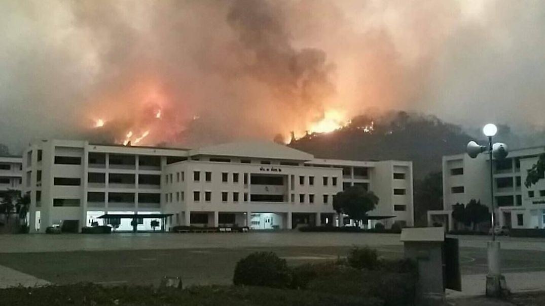 ข่าวสดวันนี้ ไฟไหม้ป่า ไฟไหม้โรงเรียนนายร้อย จปร.