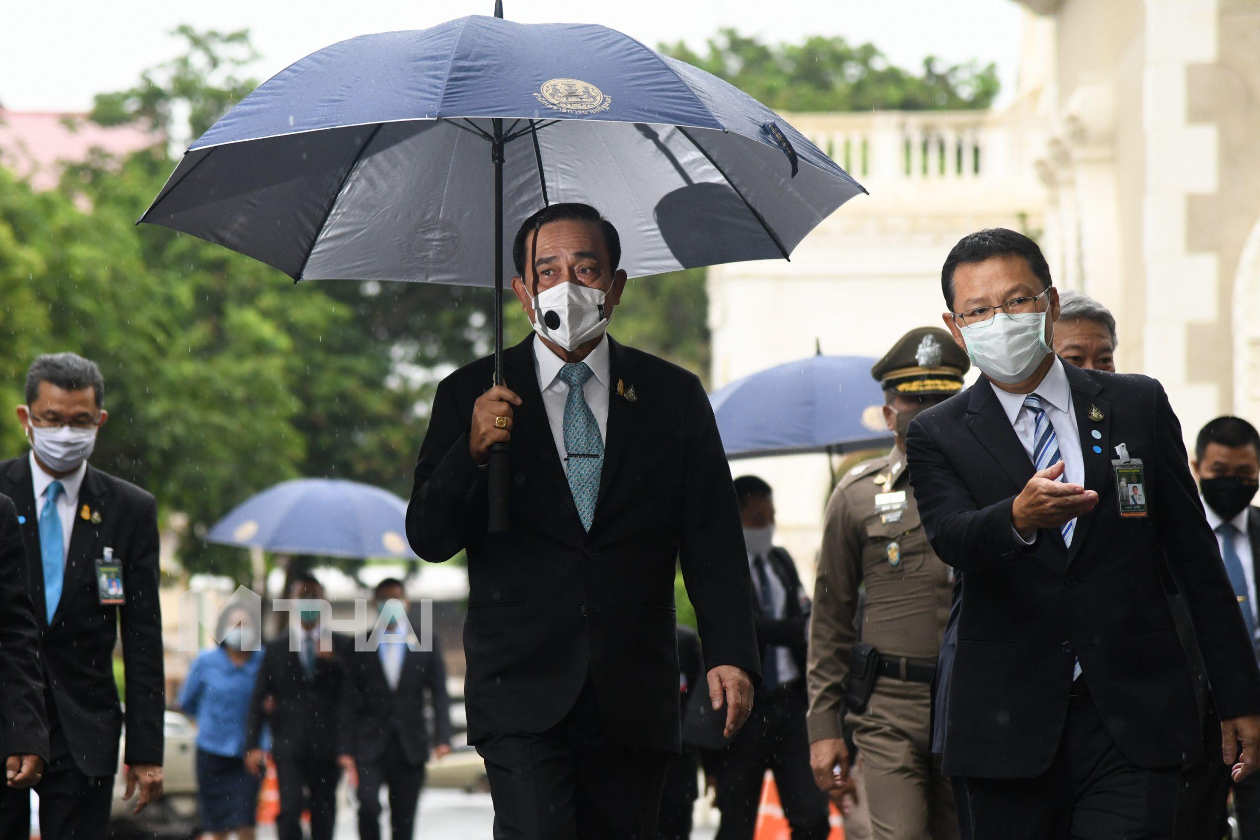 กล้องถ่ายรูป ทำเนียบรัฐบาล นายกรัฐมนตรี ประยุทธ์ จันทร์โอชา ฝนตก เล่าเรื่องภาพ