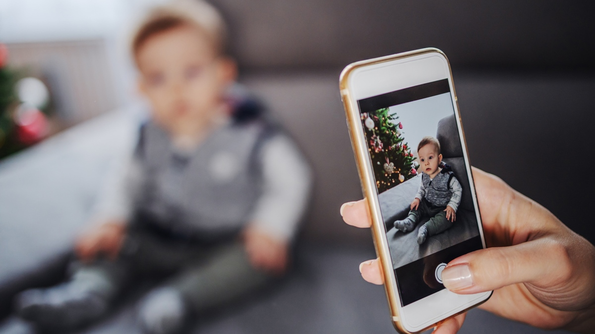 การโพสต์ภาพเด็ก พ่อแม่ควรรู้ ภัยโซเชียลมีเดีย รูปภาพเด็กที่ไม่ควรโพสต์ ไม่ควรโพสต์โซเซียล