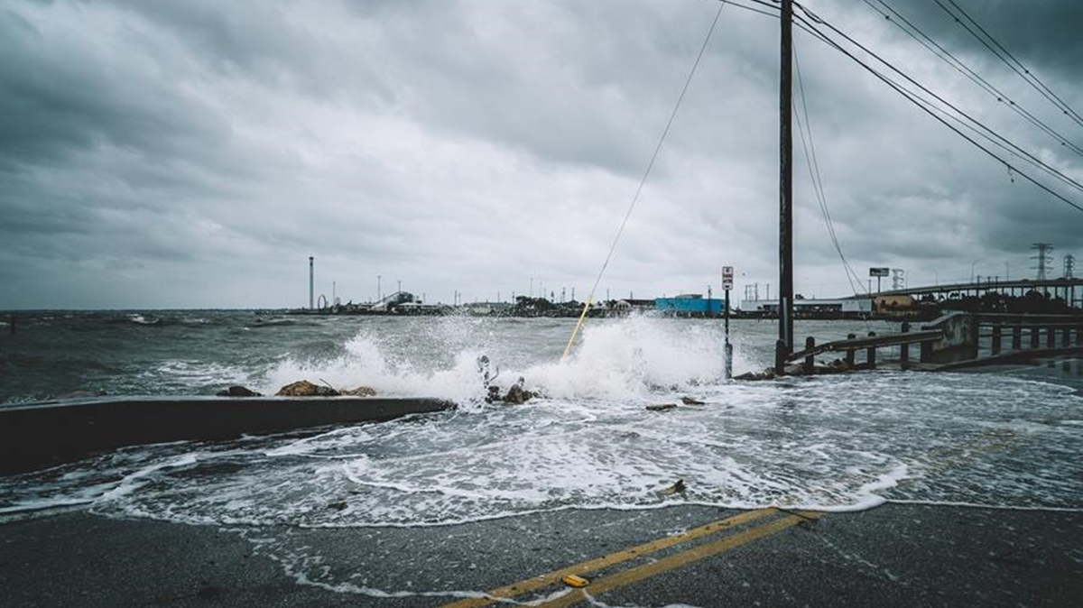 น้ำท่วม วิธีเอาตัวรอด อุทกภัย