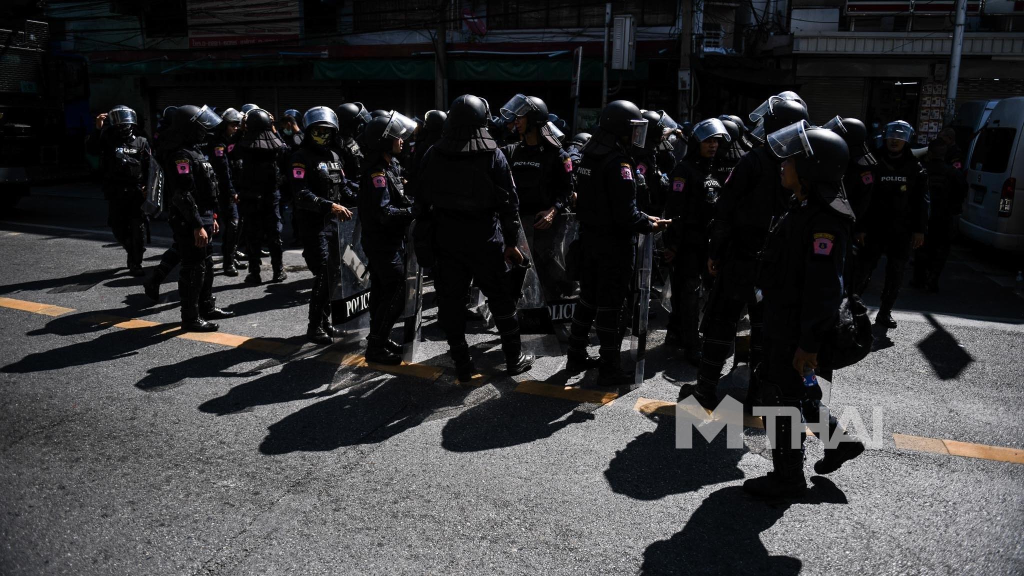 ตำรวจ ตำรวจควบคุมฝูงชน เบี้ยเลี้ยงตำรวจ
