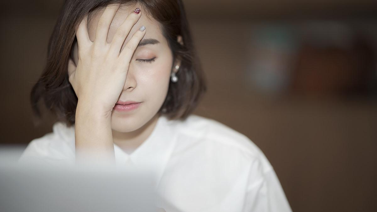 ปวดหัวข้างเดียว ปวดหัวเรื้อรัง ปวดไมเกรน วิธีดูแลตัวเอง แก้ปวดไมเกรน ไมเกรน