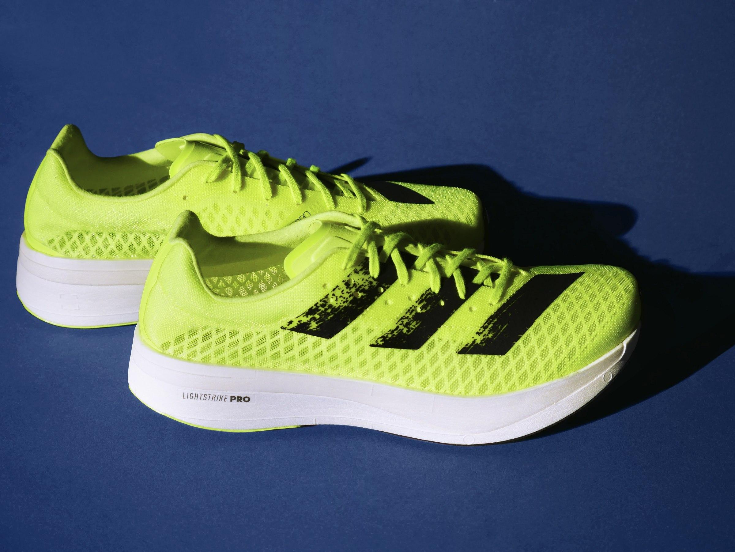 รองเท้ากีฬา รองเท้าวิ่ง อาดิดาส