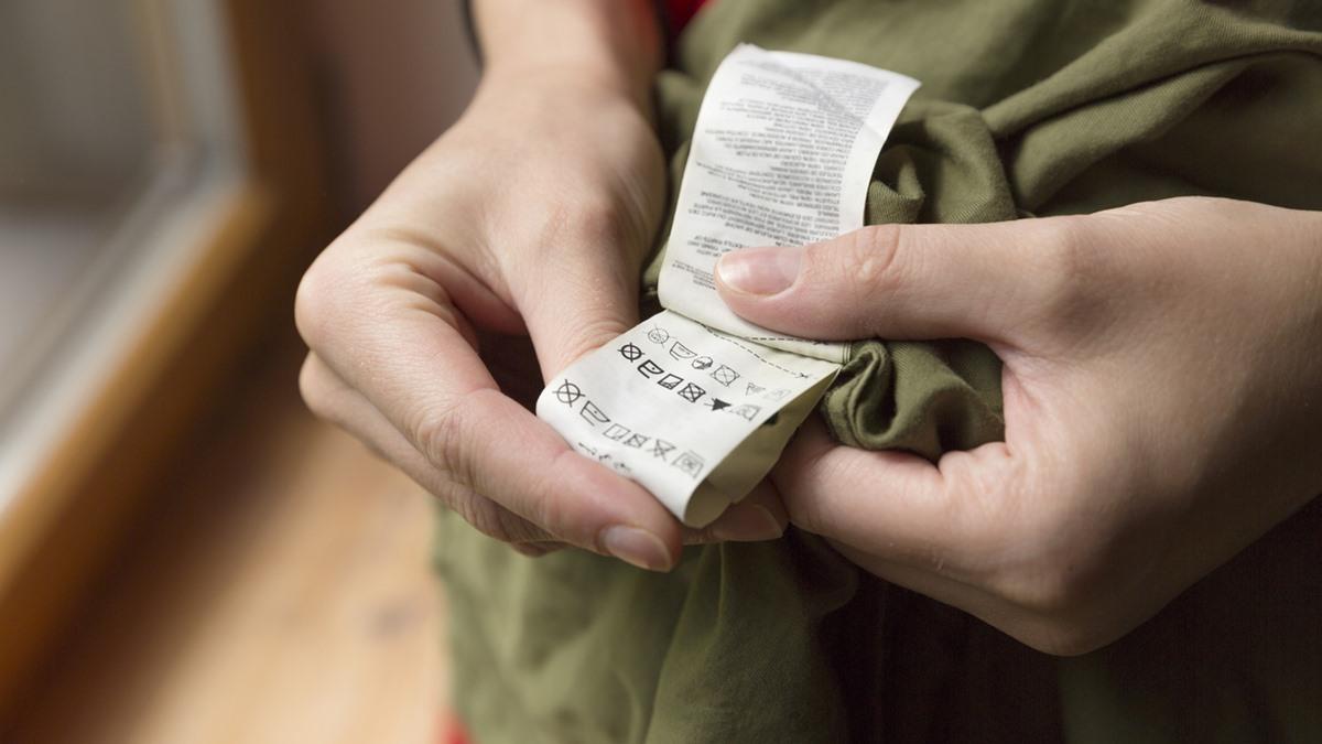 คำอธิบายสัญลักษณ์ ป้ายเสื้อผ้า วิธีซักผ้าแต่ละชนิด วิธีดูแลเสื้อผ้า สัญลักษณ์บนป้ายเสื้อผ้า