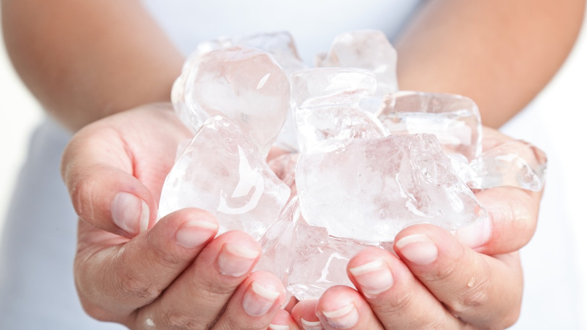 น้ำแข็งก้อน รับมือความเครียด วิตกกังวล วิธีรับมือความเครียด แก้ปวดไมเกรน โรคแพนิค ไมเกรน