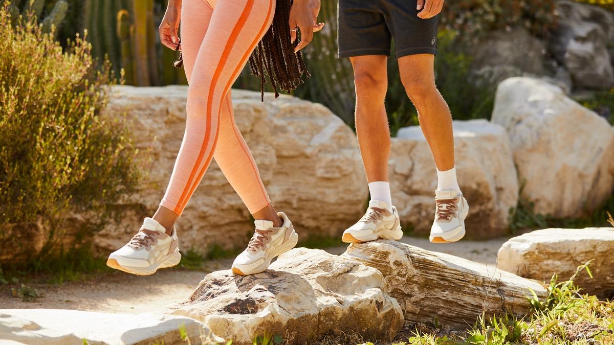 ASICS รองเท้า รองเท้าวิ่ง รองเท้าสนีกเกอร์