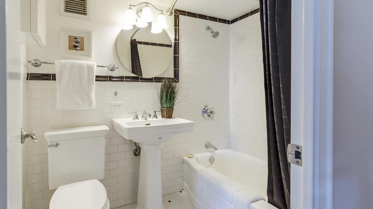 ทำความสะอาดห้องน้ำ ห้องน้ำ