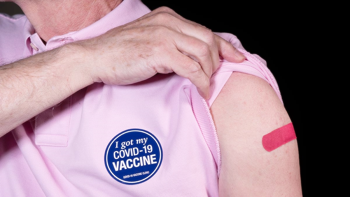 ฉีดวัคซีนโควิด ฉีดวัคซีนโควิด-19 วิธีดูแลสุขภาพ สุขภาพ โควิด-19 โรคหลอดเลือดหัวใจ