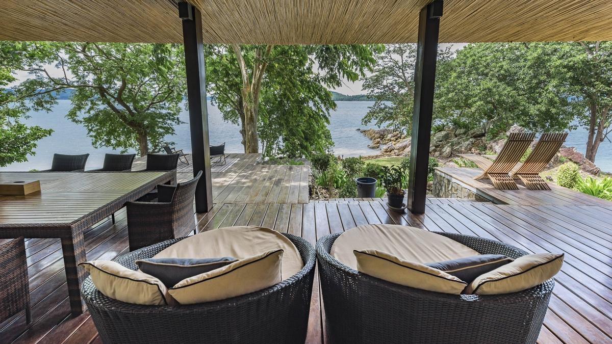 ที่พักติดทะเล ที่พักสำหรับครอบครัว ภูริ หิรัญพฤกษ์ เกาะนาคาน้อย