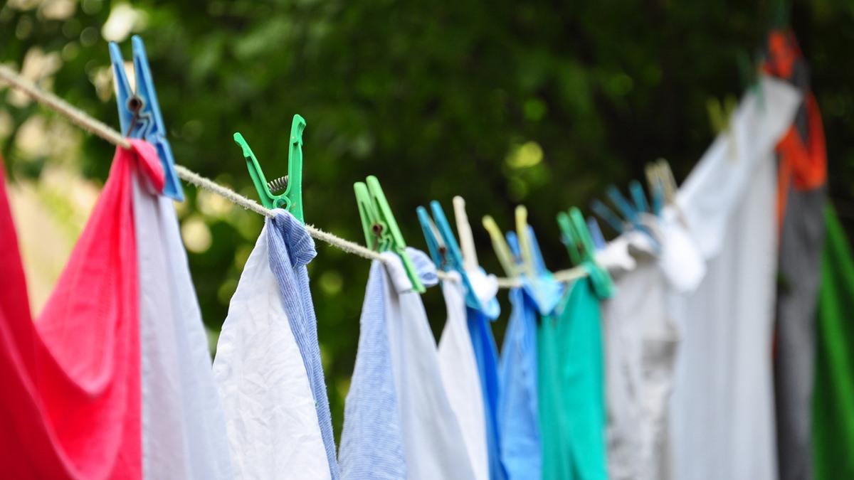 ซักผ้า ซักผ้าที่มีรอยเปื้อน เคล็ดลับ แช่ผ้าก่อนซัก