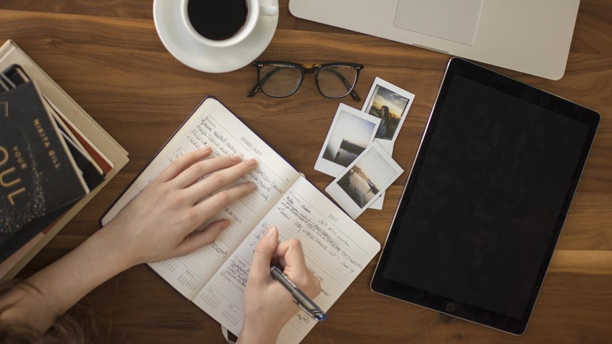 การเขียน เกร็ดความรู้ เขียนด้วยลายมือ