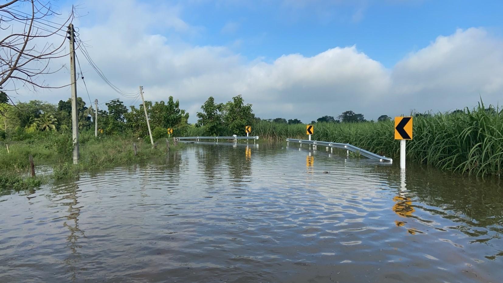 กรมทางหลวงชนบท น้ำท่วม เส้นทางน้ำท่วม